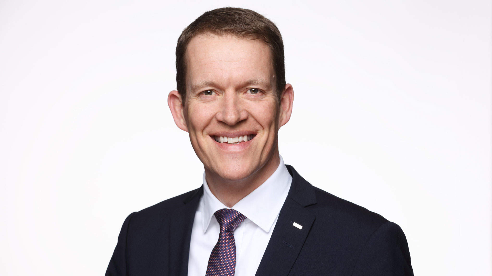 On January 1, Burkhard Eling became Chief Executive Officer (CEO) and Spokesperson of the Executive Board of logistics provider DACHSER.