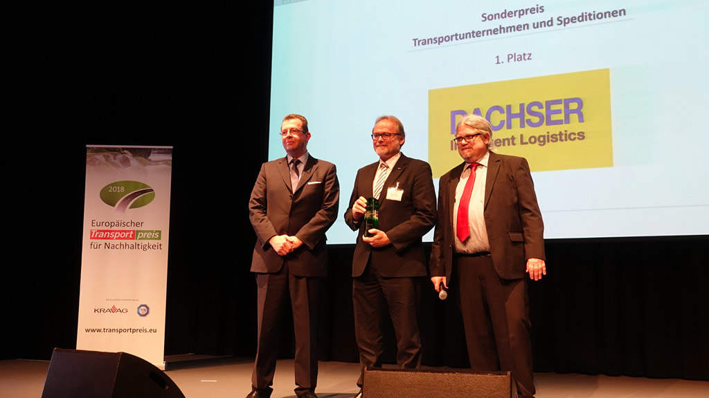 As part of the presentation of the European Transport Award for Sustainability (ETPN), this year DACHSER received the Special Award for Corporate Social Responsibility. The company came first in the Transportation and Forwarding Companies category.